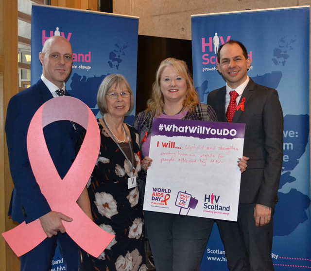 Christina McKelvie MSP lends support to World AIDS DAY 2016